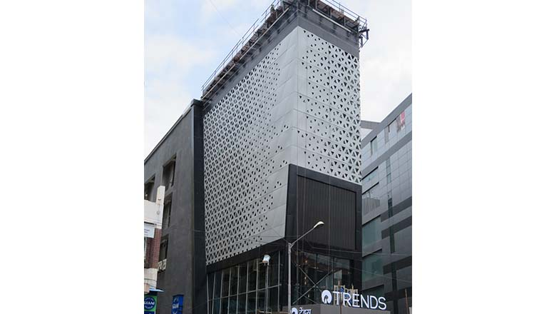 Retail-building-facades