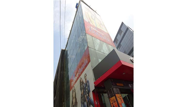 retail glazing designs